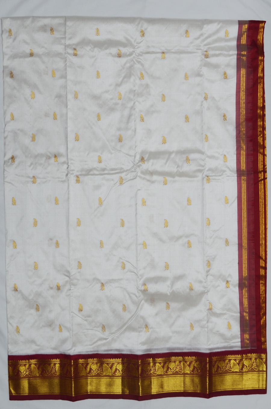 Temple Saree 2578