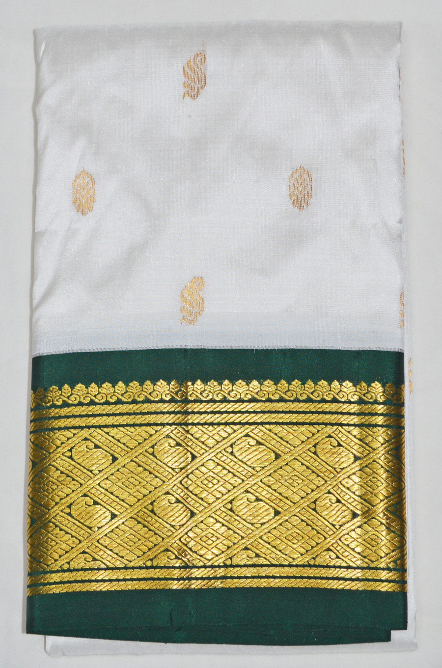 Temple Saree 2769