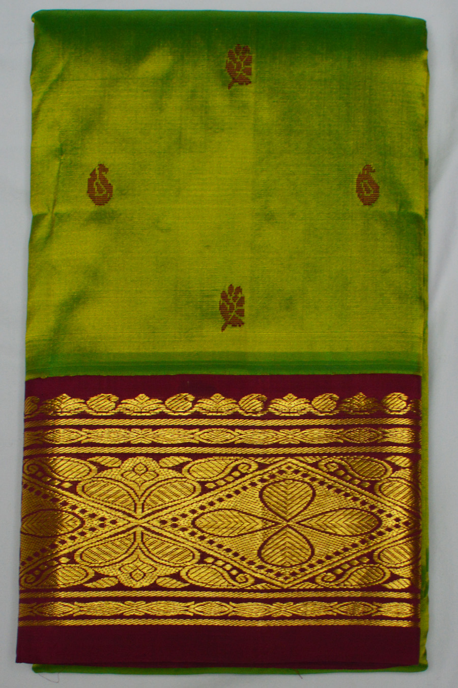 Temple Saree 2850