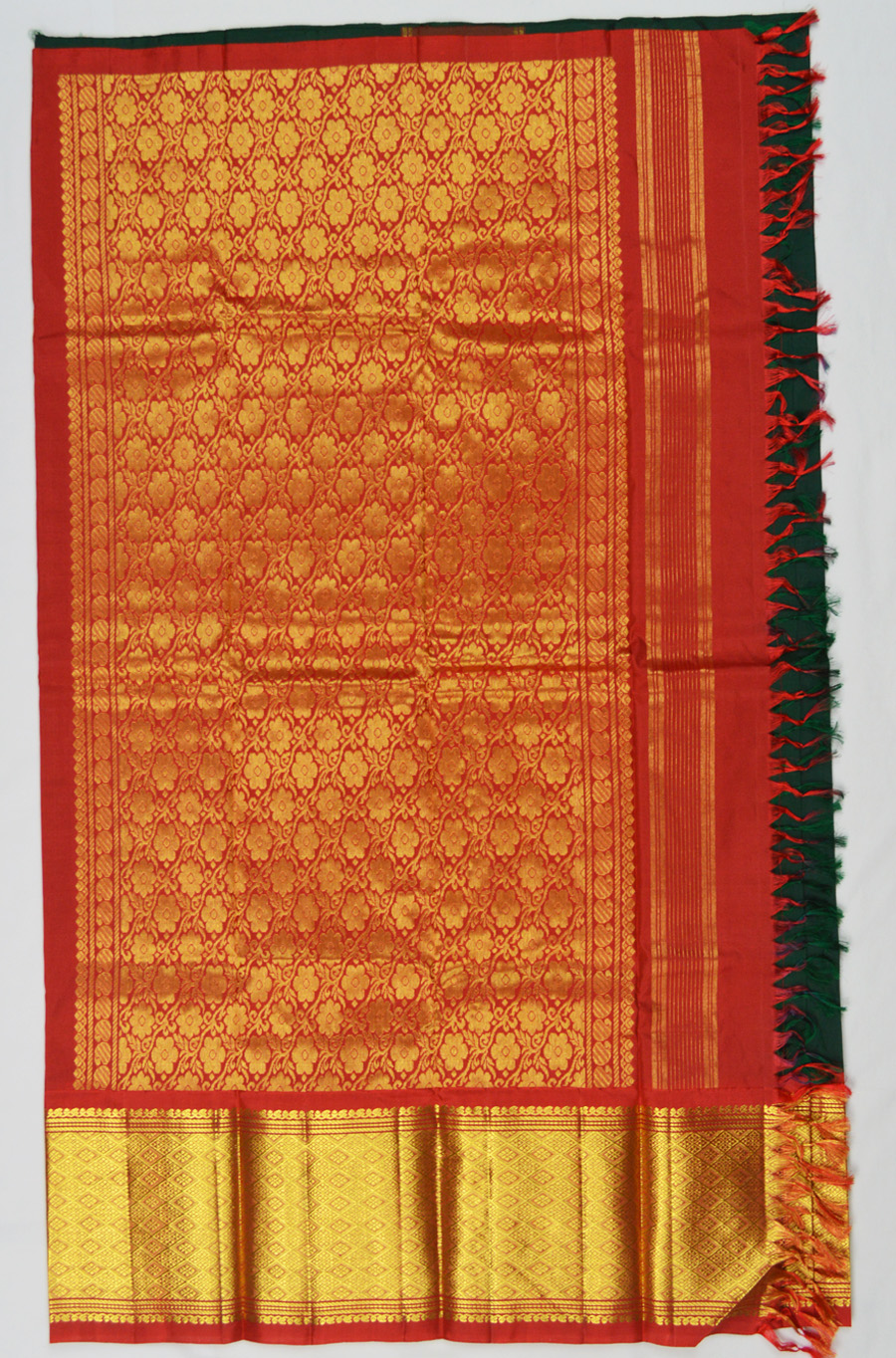 Temple Saree 3070
