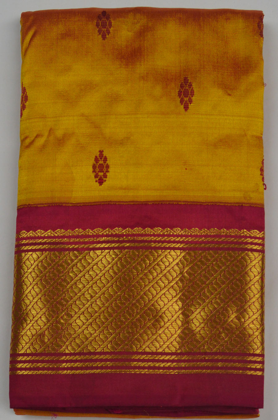 Temple Saree 4184