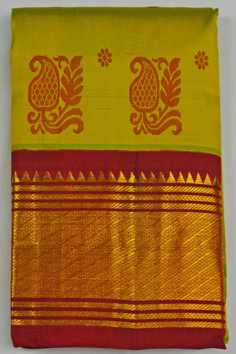 Temple Saree 4567