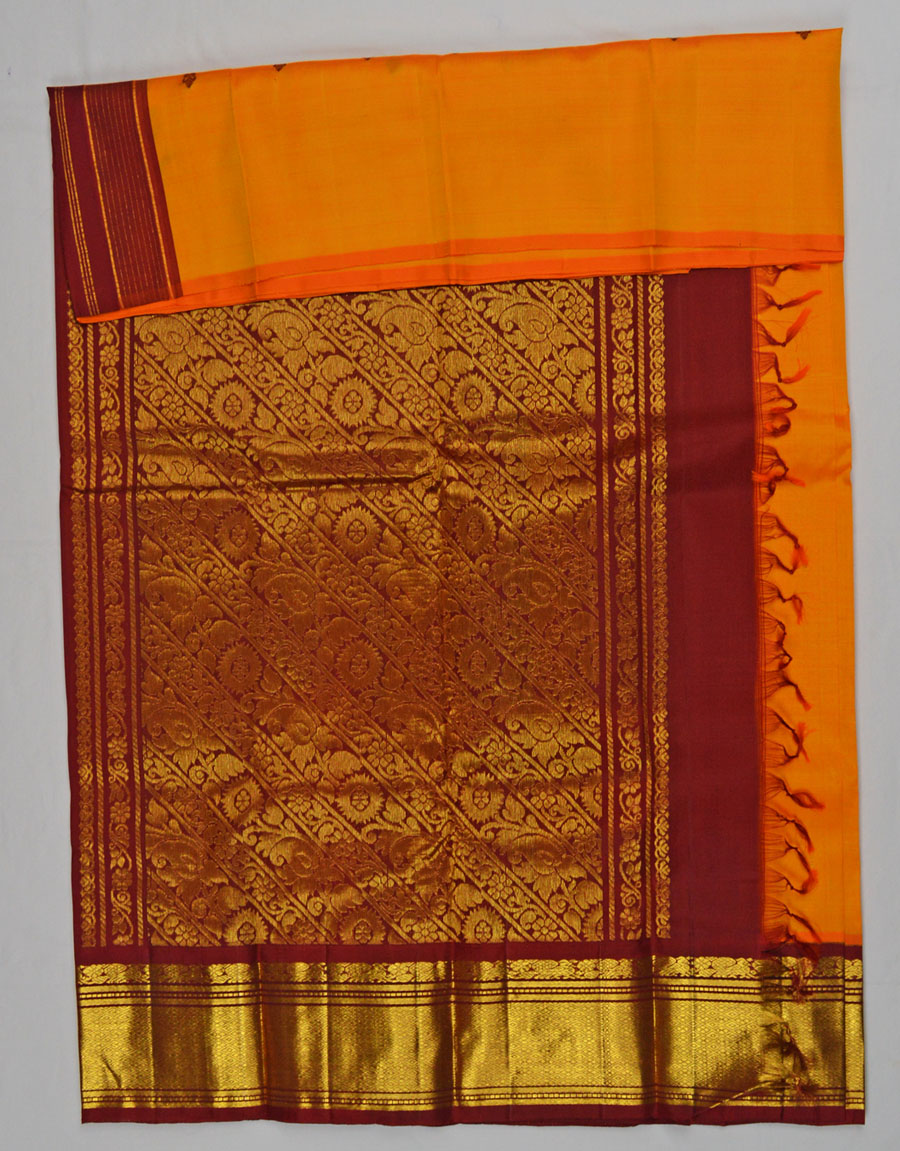 Temple Saree 4568