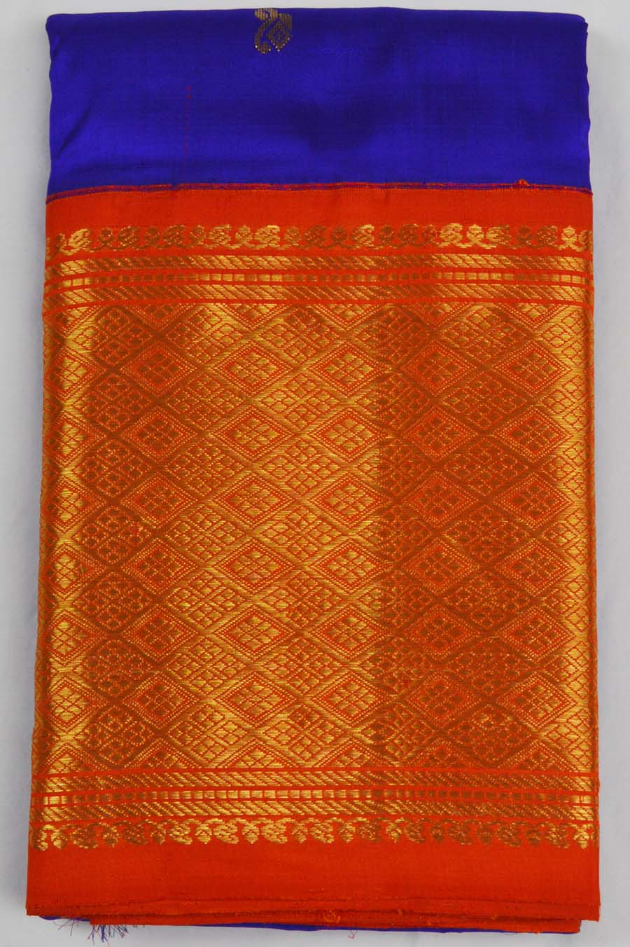 Temple Saree 5042