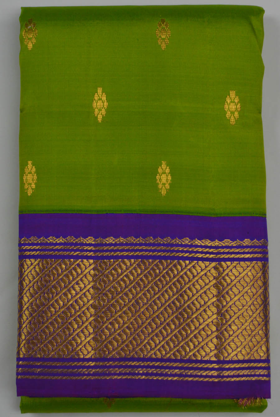 Temple Saree 6060