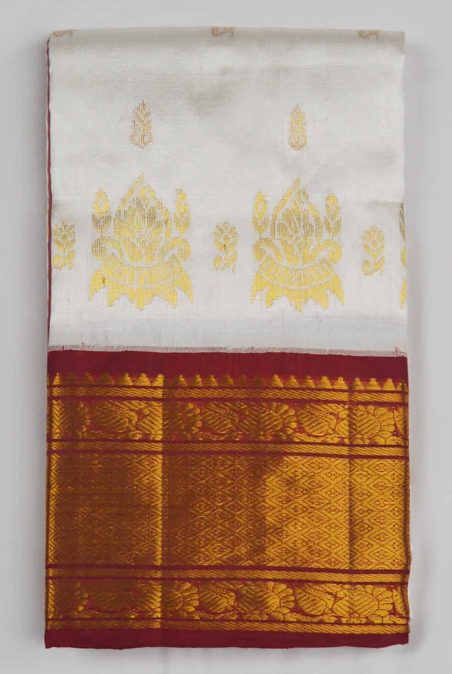 Temple Saree 7009