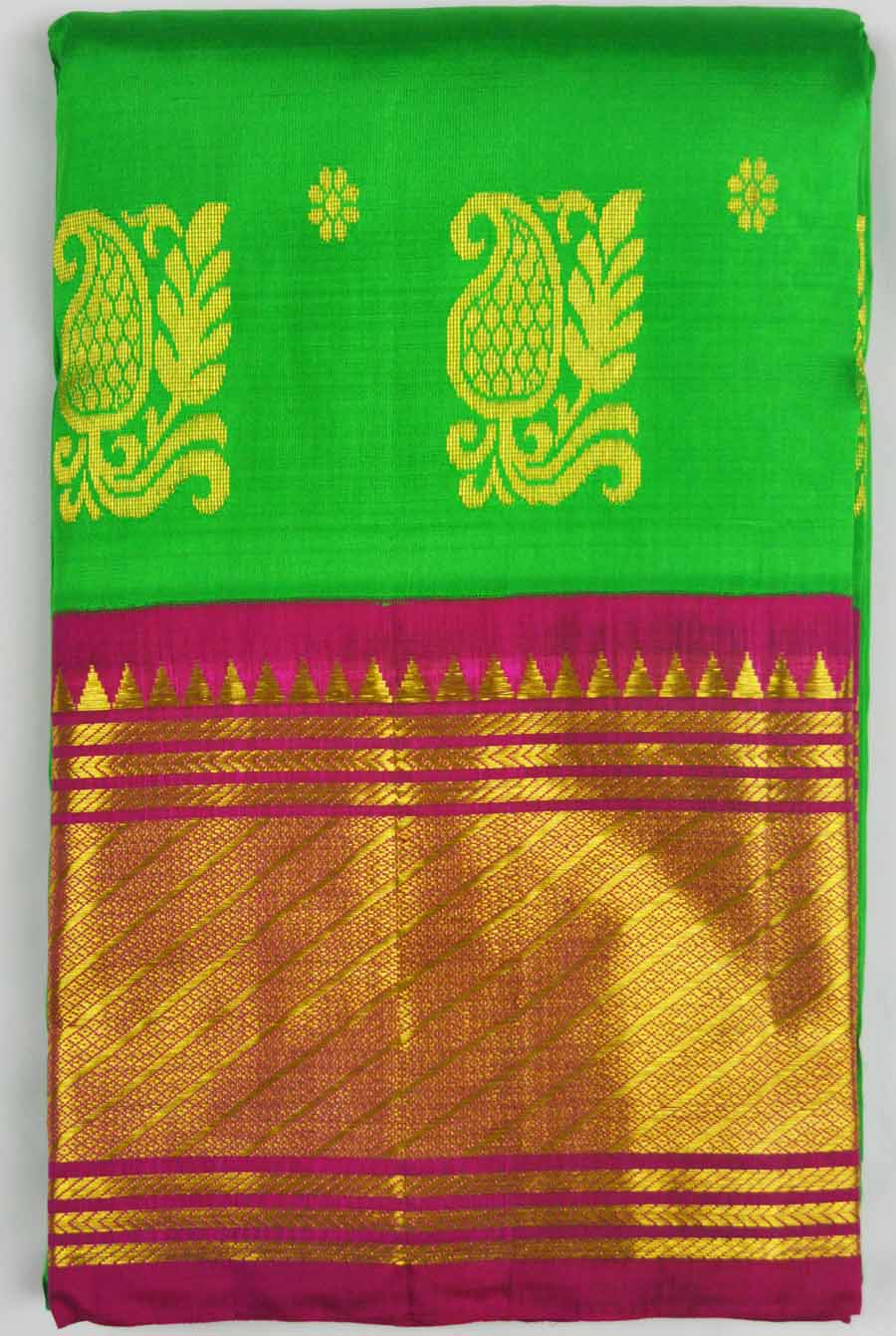 Temple Saree 7067