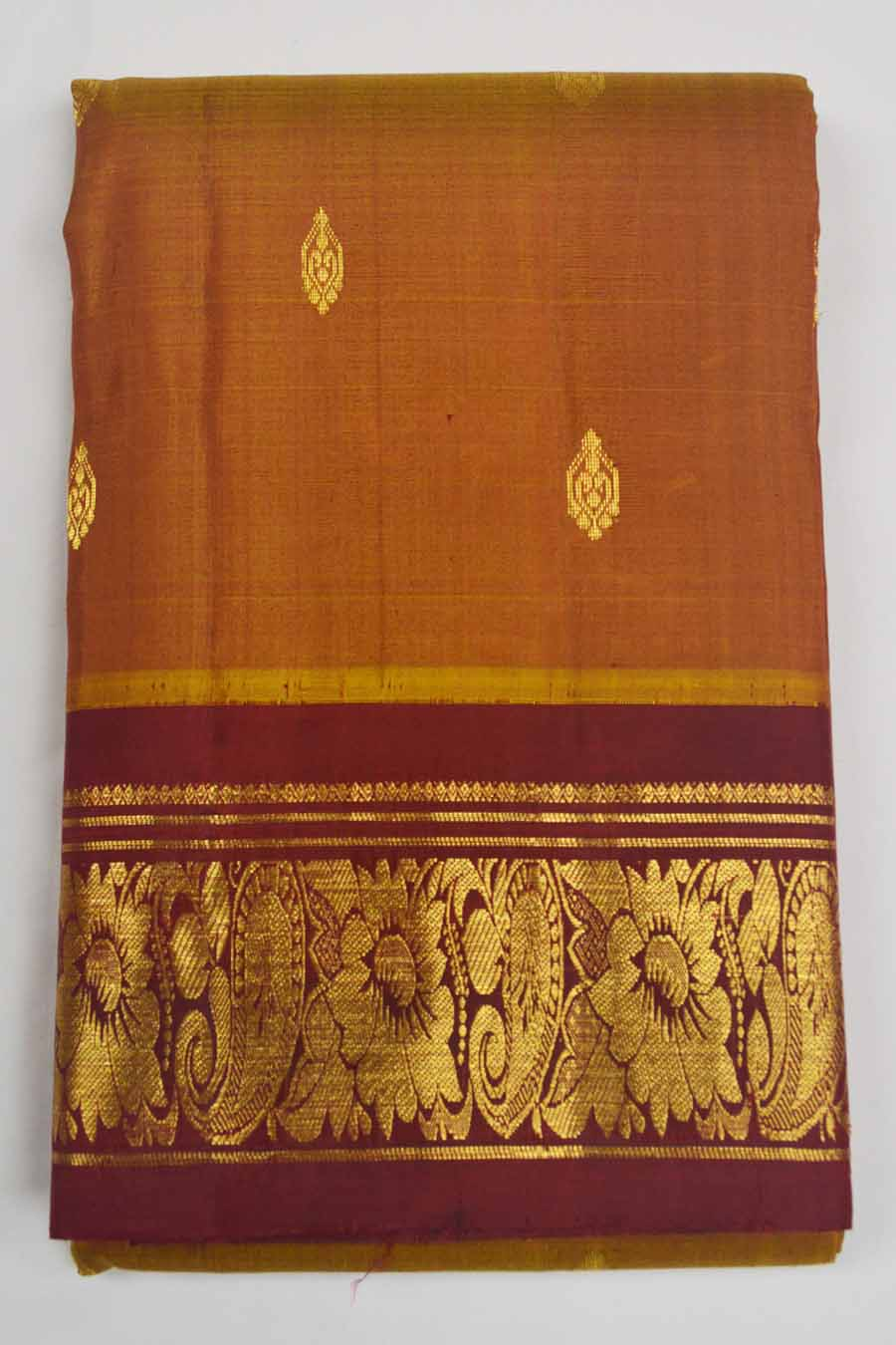 Temple Saree 7325