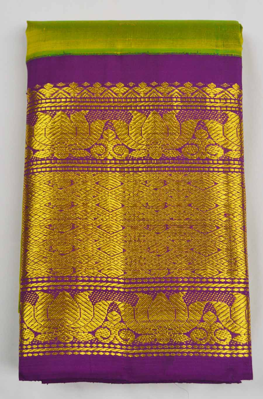 Temple Saree 7326