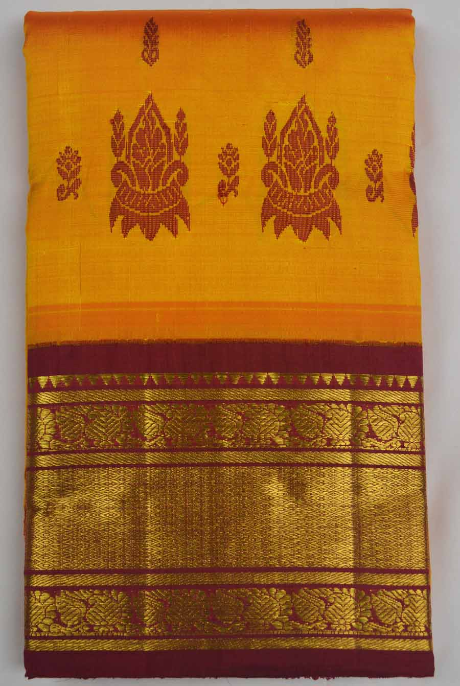 Temple Saree 7389