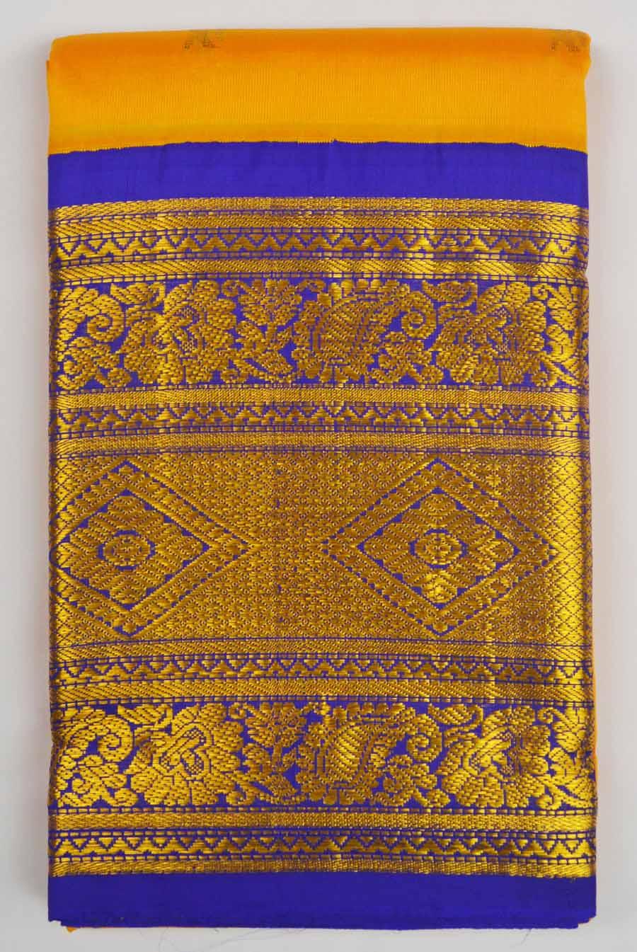 Temple Saree 8002