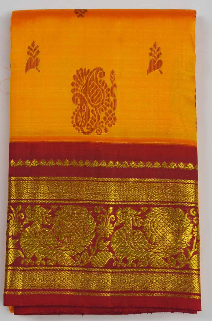 Temple Saree 8015