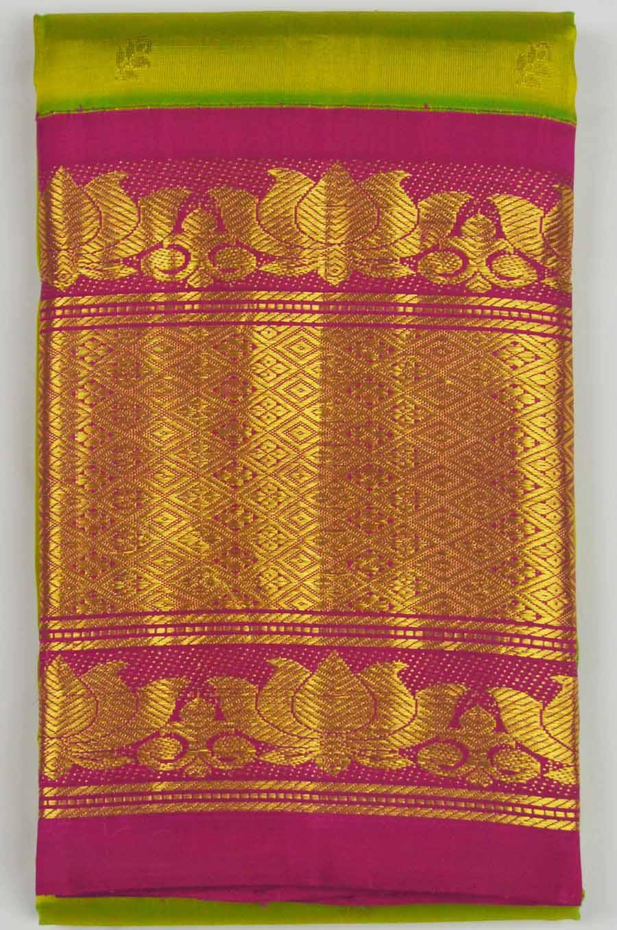 Temple Saree 8124