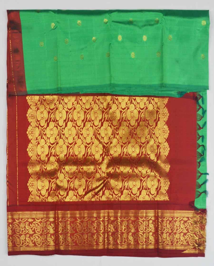 Temple Saree 8120