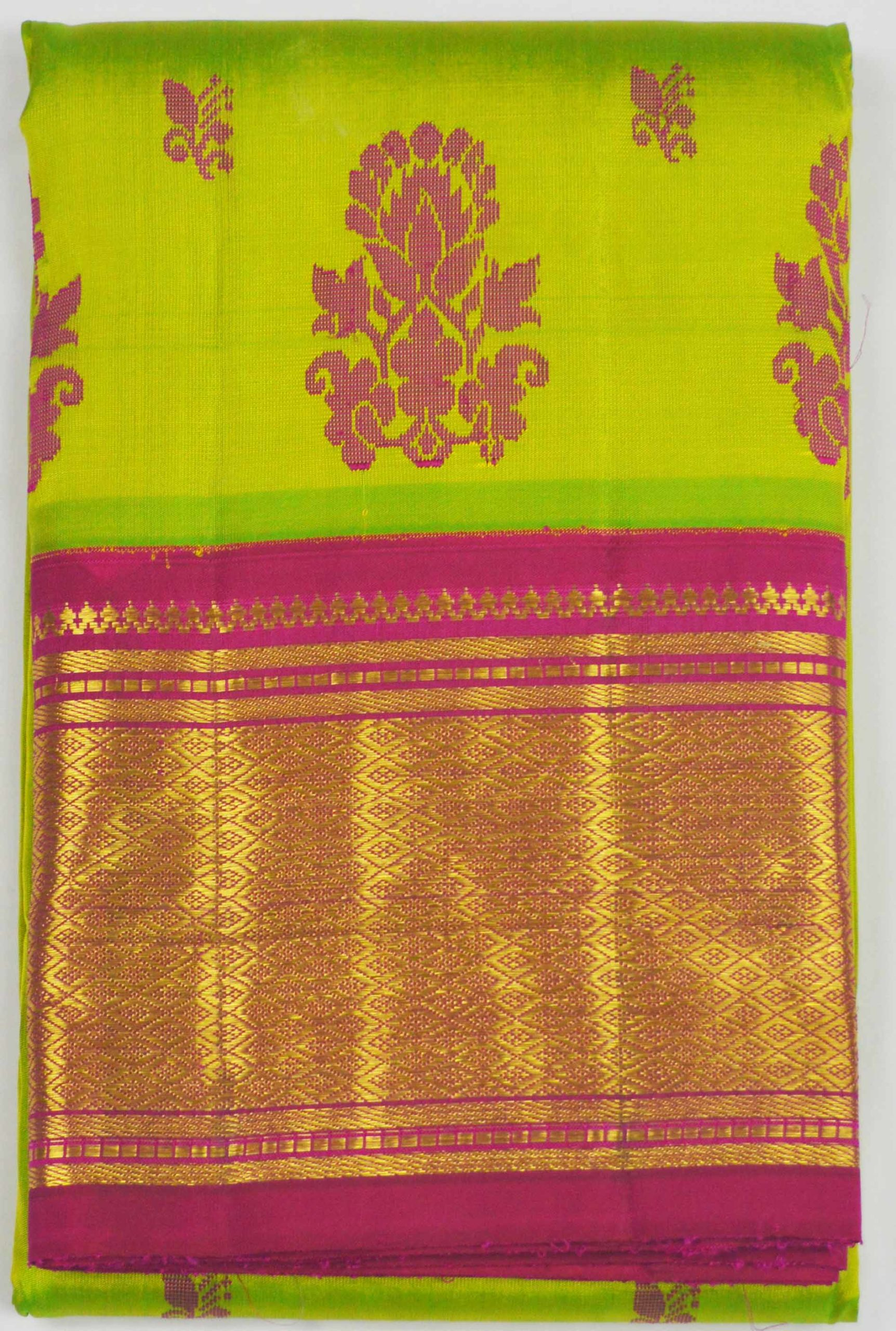Temple Saree 8116