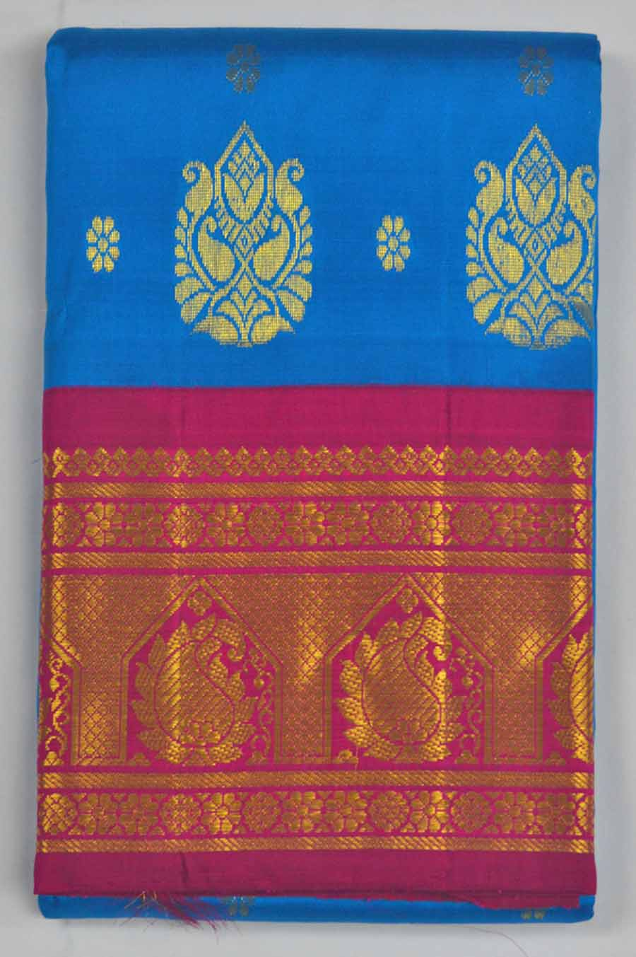 Temple Saree 8162