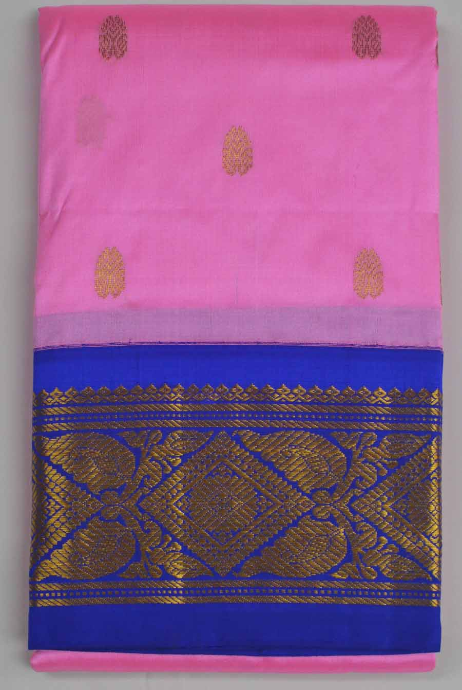 Temple Saree 8228