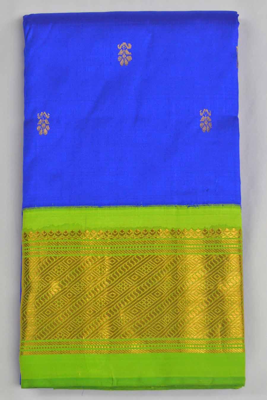 Temple Saree 8307