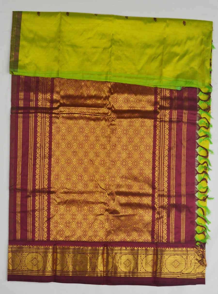 Temple Saree 8319