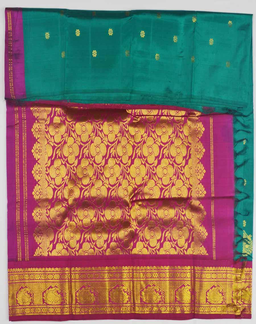 Temple Saree 8420