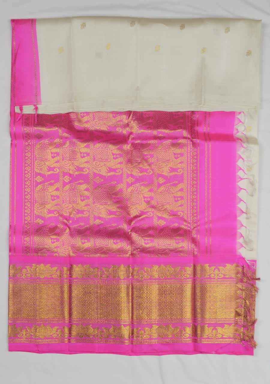 Temple Saree 8468