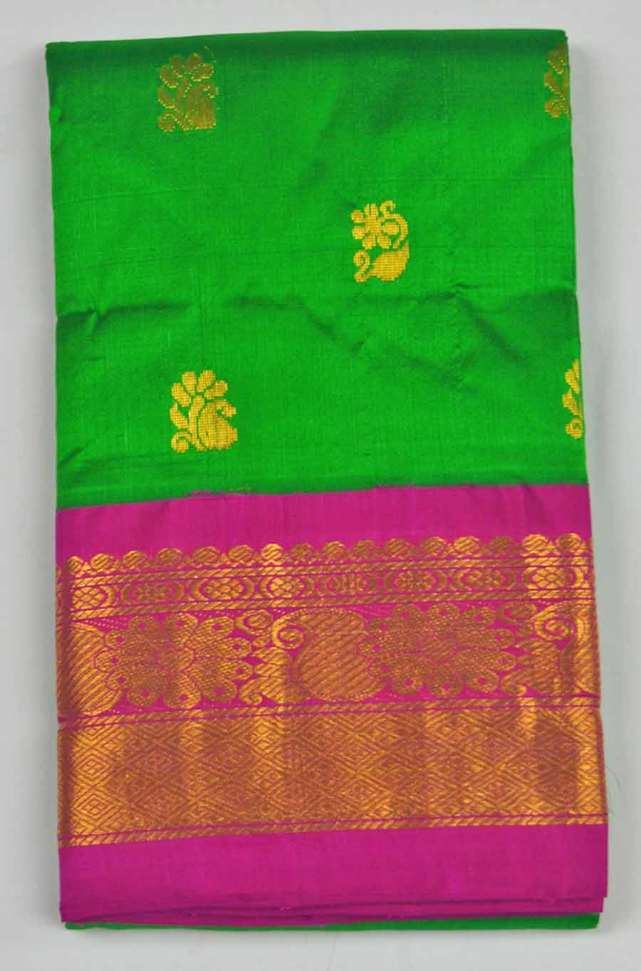 Temple Saree 8538