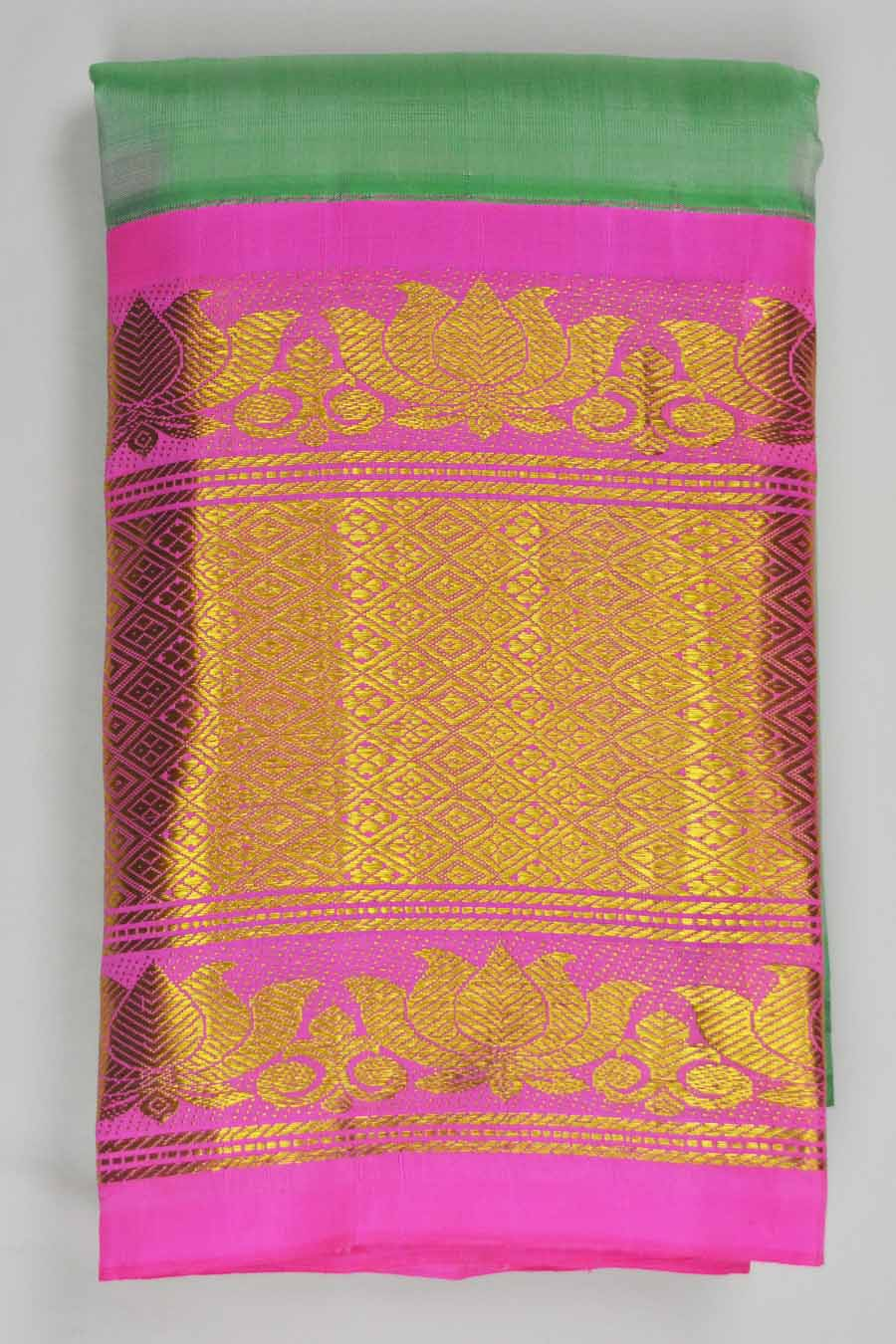 Temple Saree 8587
