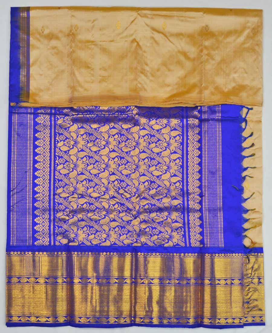 Temple Saree 8781