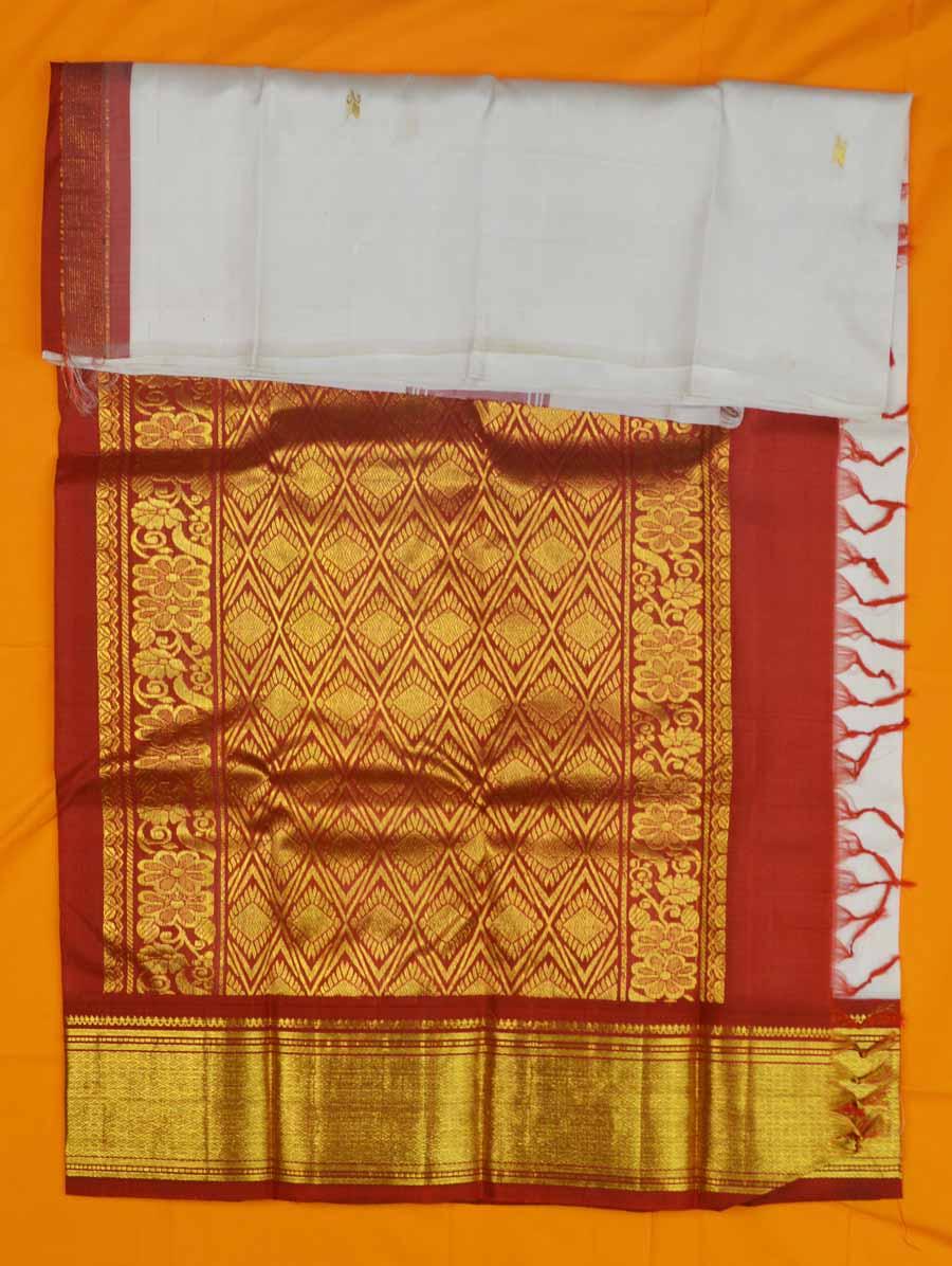 Temple Saree 8822