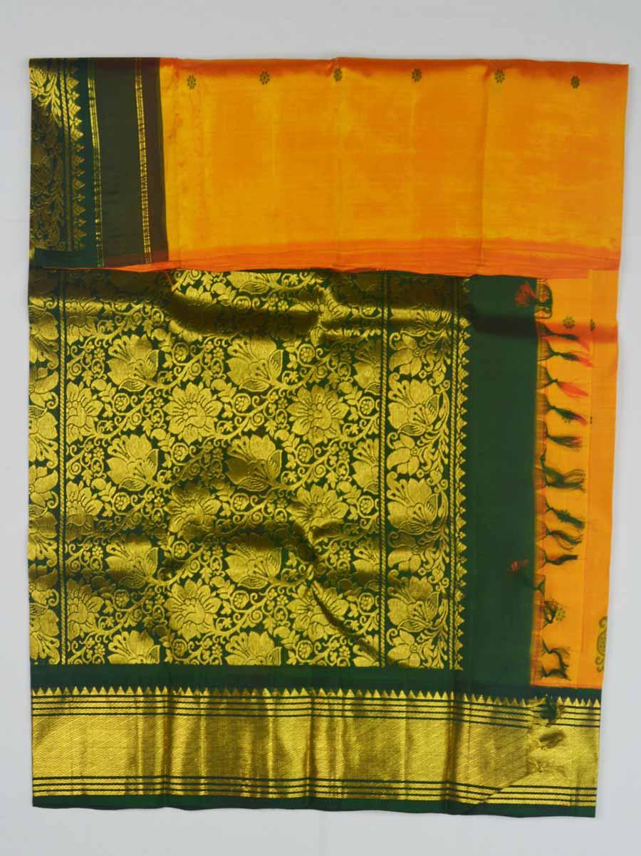 Temple Saree 8819